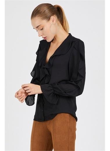 Never More Düğme Detaylı Kolları Fırfırlı Bluz Siyah